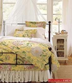 四款时尚印花床品 让卧室充满夏日香气
