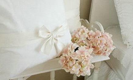 婚纱样式抱枕