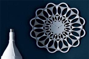 特色挂钟摆件 用不规则打造别样装饰效果