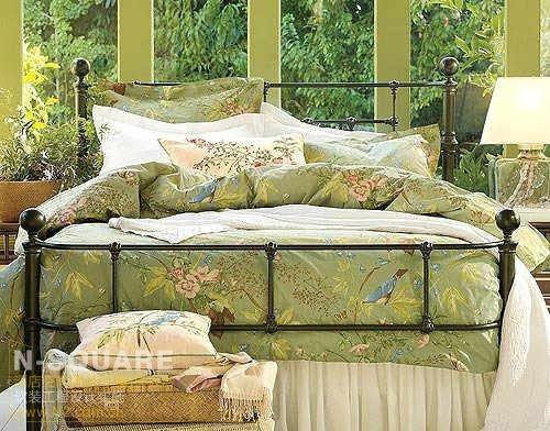 花鸟刺绣图案床品 自然优雅