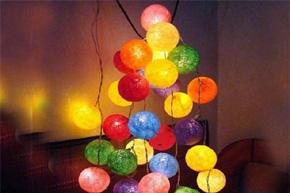 七彩藤织球装饰灯 等待夜幕降临