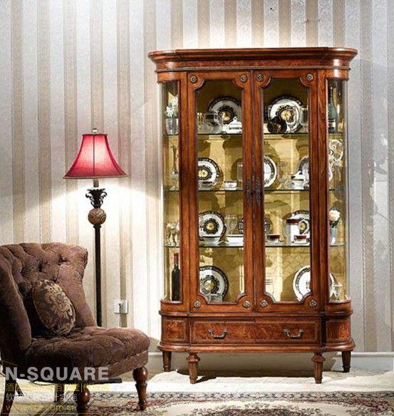 古典欧式风格家具的主要特色是强调力度