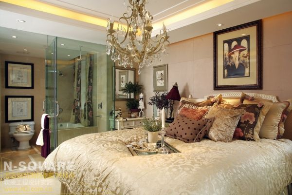 设计,装修样板房整体的奶白色调和欧式元素软装配饰