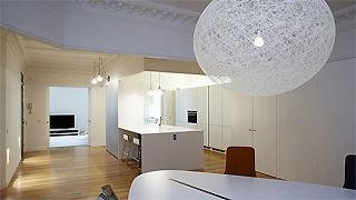 柔和色彩灯光_马德里公寓设计