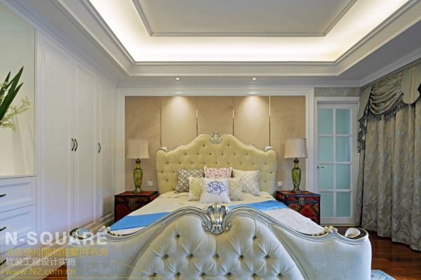 深圳的一个欧式混搭风格样板房软装